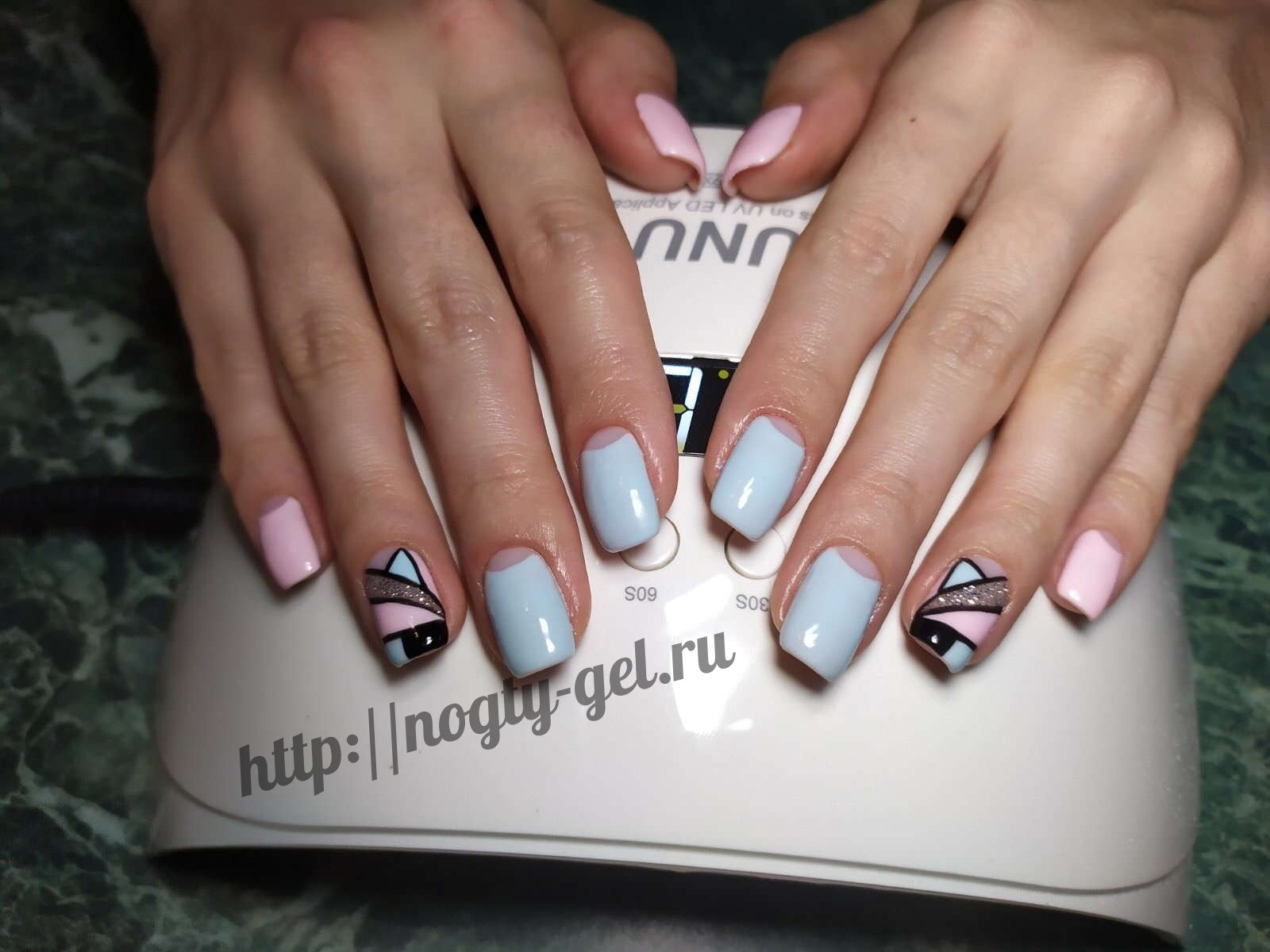 Геометрия на ногтях гель лаком.