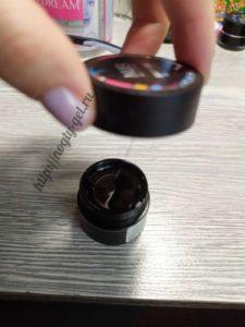 3.Гель краска для ногтей.
