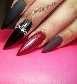 1.Нарощенные ногти гелем.