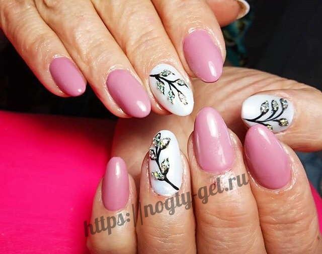 16.Дизайн ногтей розовый с серебром фото