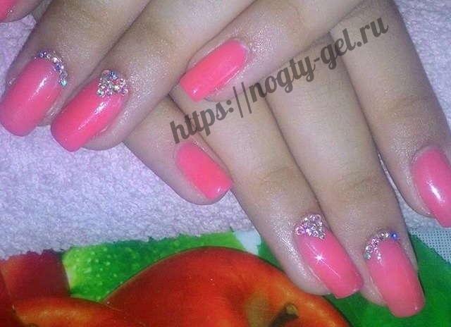 3.Дизайн ногтей розовый с серебром фото